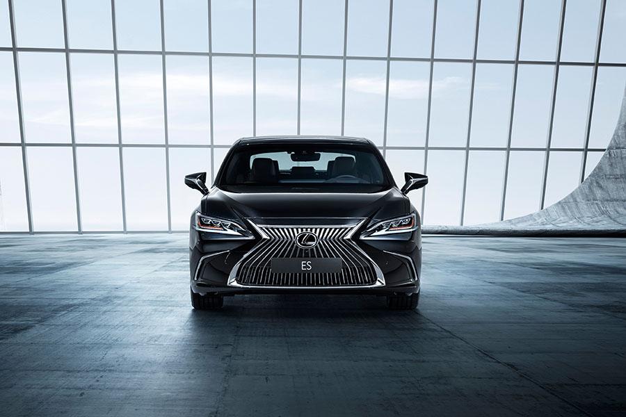2019-Lexus-ES